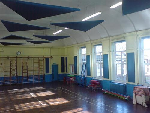 panel acustico escuela