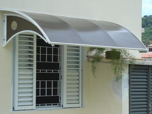 Protege tu terraza y pergolado con los toldos de for Estructura de aluminio para toldo