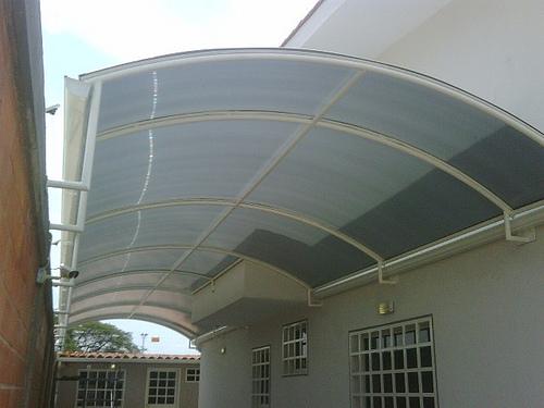 Protege tu terraza y pergolado con los toldos de - Toldos para patios exteriores ...