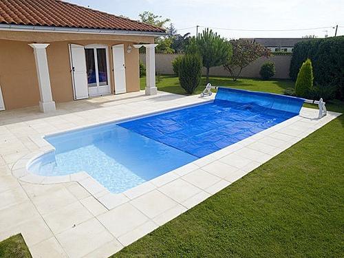 Los cobertores solares de piscinas para mantener la for Cobertores para piscinas