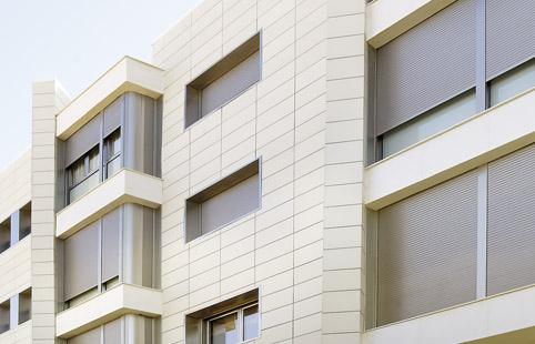 la ceramica como recubrimiento para fachadas