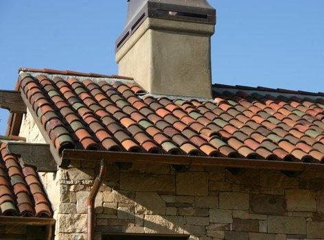 Ventajas de las tejas de cobre for Figuras para techos de casas