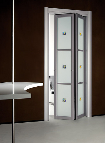 contemporary-slim-folding-doors-2