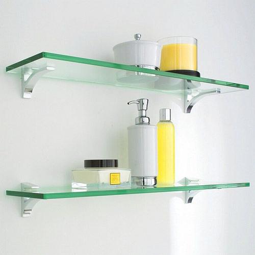 prateleira-de-vidro-banheiro-pequeno