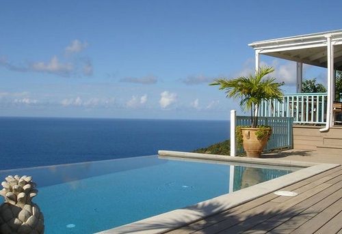 infinity-pool-and-house