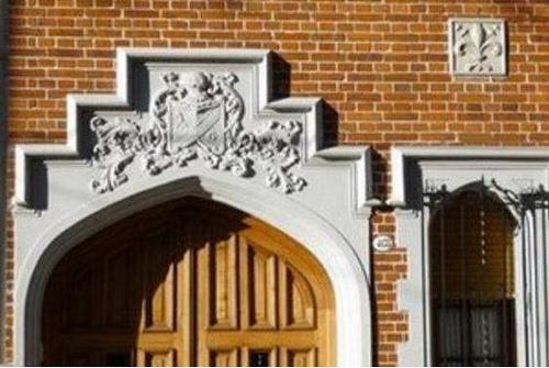 puerta tudor