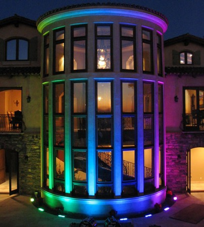 fachada-iluminada-leds-rgb-1