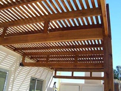 P rgolas de madera dale un toque de elegancia a tu for Crear una cubierta de madera