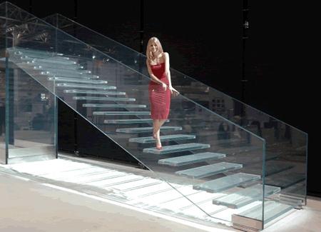 Las Escaleras de Vidrio o Cristal – Indiscutible atracción visual para un ambiente