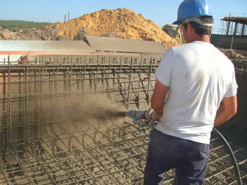 Hormigon proyectado ventajas y usos for Construccion de piscinas en concreto