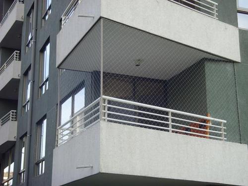 Mallas de seguridad transparentes para balcones y terrazas