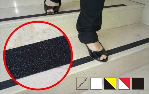 Piso y cinta antideslizante evita caidas accidentales - Suelos de caucho para exteriores ...
