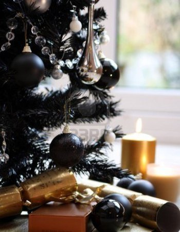 black-christmas-tree-with-silver-and-black-balls-and-gold