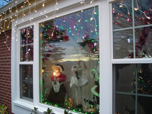 Christmas-Window-Decorations-with-lights-image3