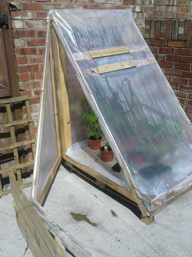 Como hacer un invernadero casero arquigrafico - Invernadero en terraza ...
