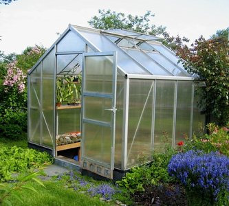 Como hacer un invernadero casero arquigrafico for Materiales para un vivero