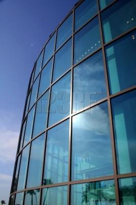 El vidrio, signo de modernidad Arquitectonica