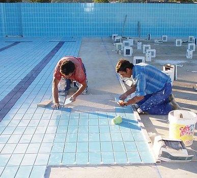 Tipos de revestimientos para piscinas arquigrafico for Que precio tiene hacer una piscina