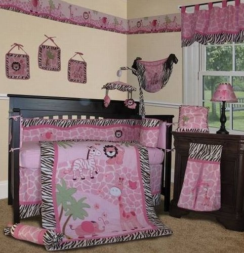Cartoonish-baby-bedding-should-bring-a-smile-to-your-little-one