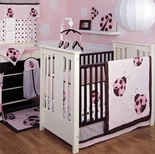 Bright-and-bold-Lady-Bug-bedding-set-in-pink