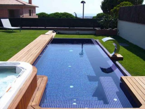 Las piscinas desbordantes o rebosantes for Detalle constructivo piscina desbordante