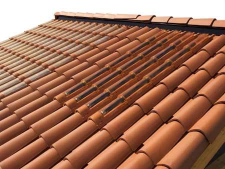 Ya puedes usar Paneles Solares camuflados en el tejado