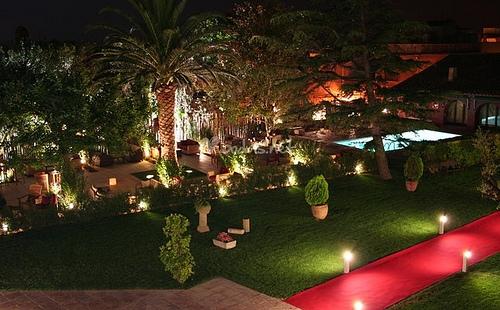 como iluminar el jardin