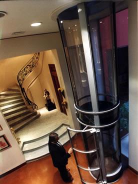 Vacuum ascensor