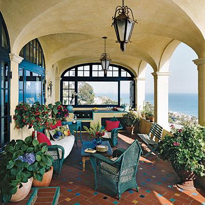 Mediterranean-Style-Decor1