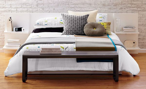 Modern-bedding-and-pillows