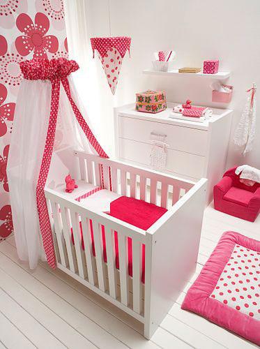 Decorar la habitacion de un bebe for Iluminacion habitacion bebe