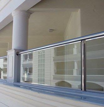Barandas de cristal alternativa modernas para tus balcones arquigrafico - Barandillas para terrazas exteriores ...