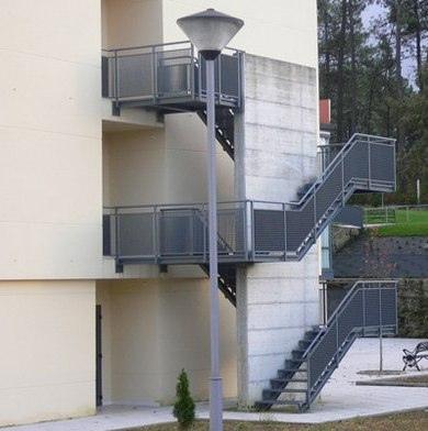 escalera emergencia exterior