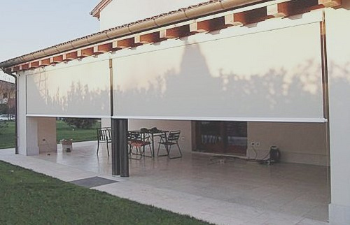 Tipos de toldos para terrazas y balcones arquigrafico - Cortinas para el sol ...